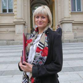 doc. dr. Vida Kampuš Trop